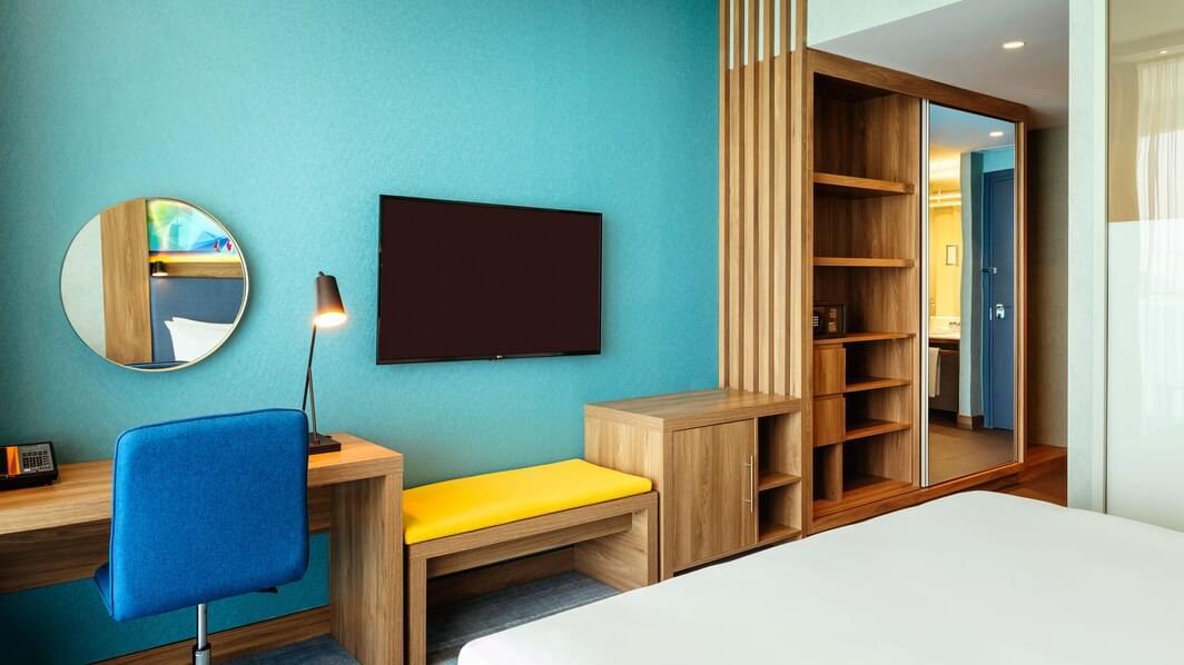 Aloft Room (King)
