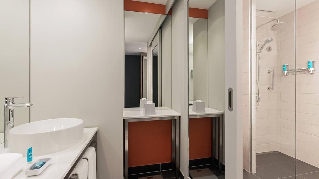 Aloft Room (Twin)