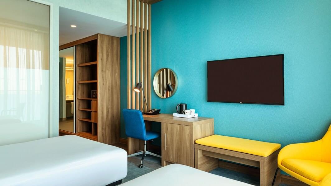 Aloft Sea View Room (Twin)