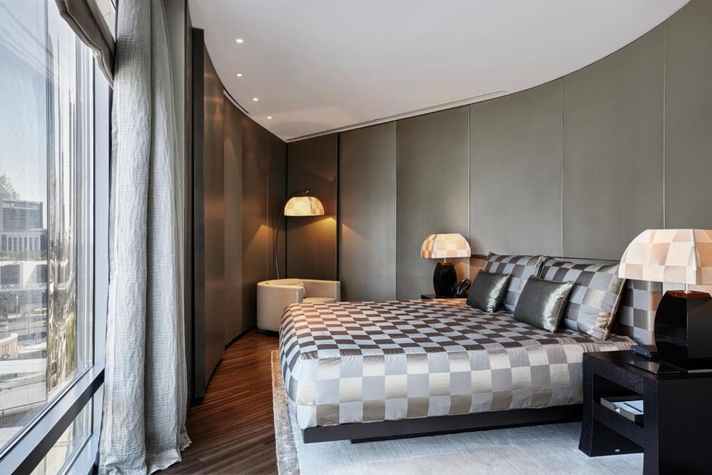 Armani Executive suite