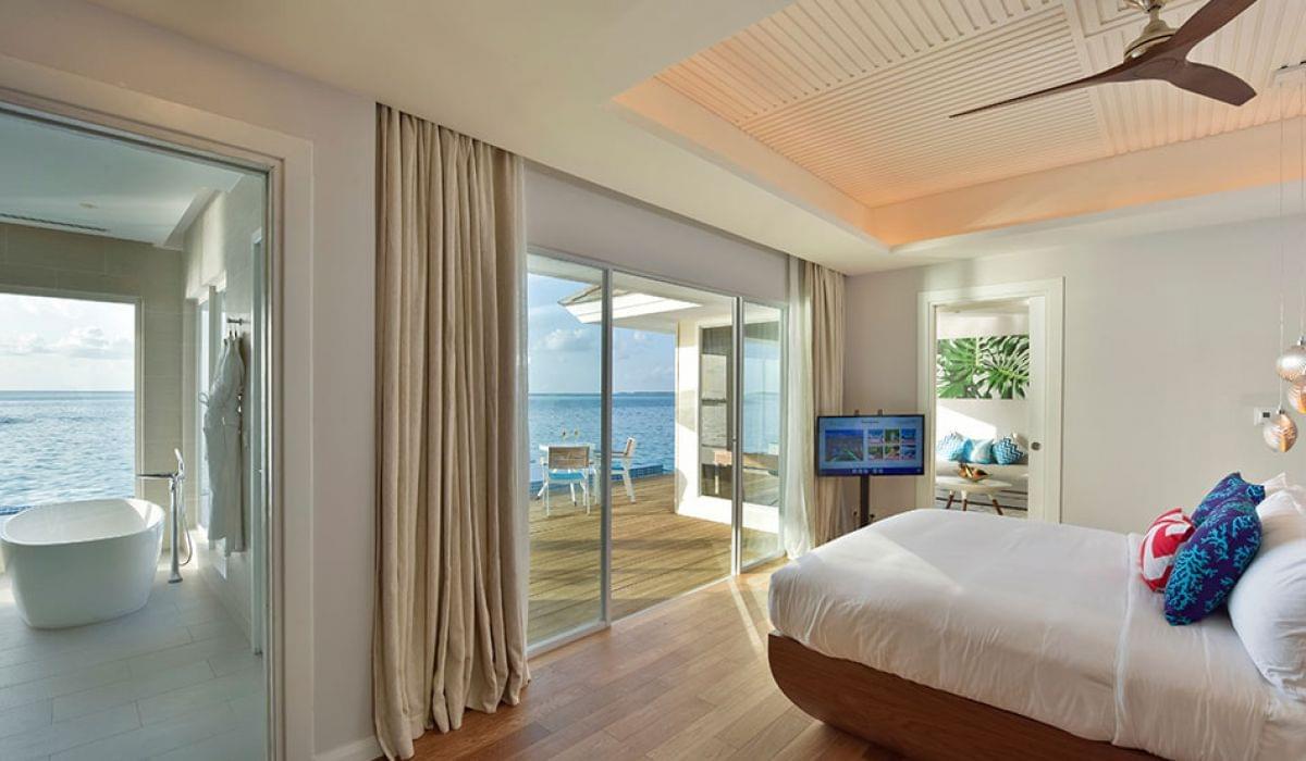 Honeymoon aqua pool villa